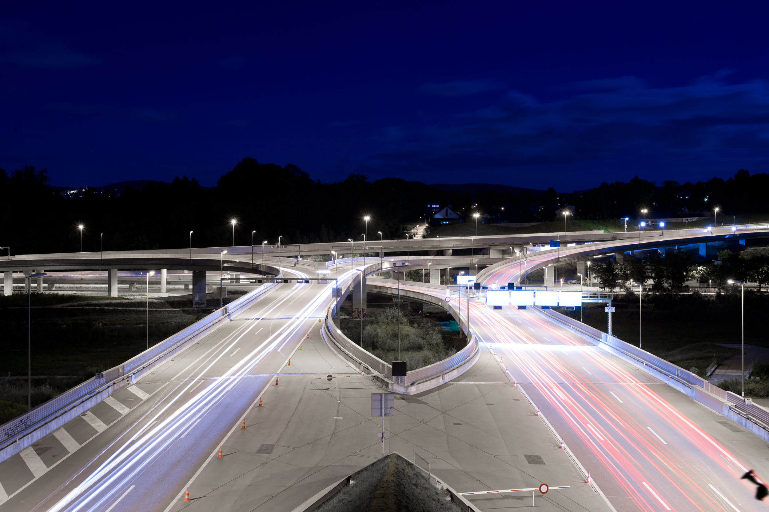 Highway at night, with lighttrails unretouched